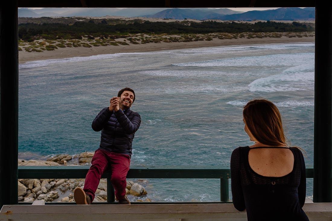 engagement sesion en playa, fotografo de bodas lima, fotografia documental de boda valparaiso, matrimonio en el campo, wedding destination chile, sesion pre boda playa ritoque