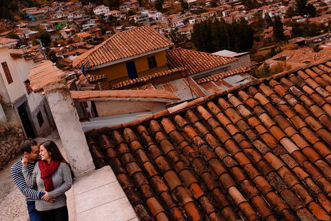 Sesión compromiso cusco, sesion fotos campo, engagement session cuzco