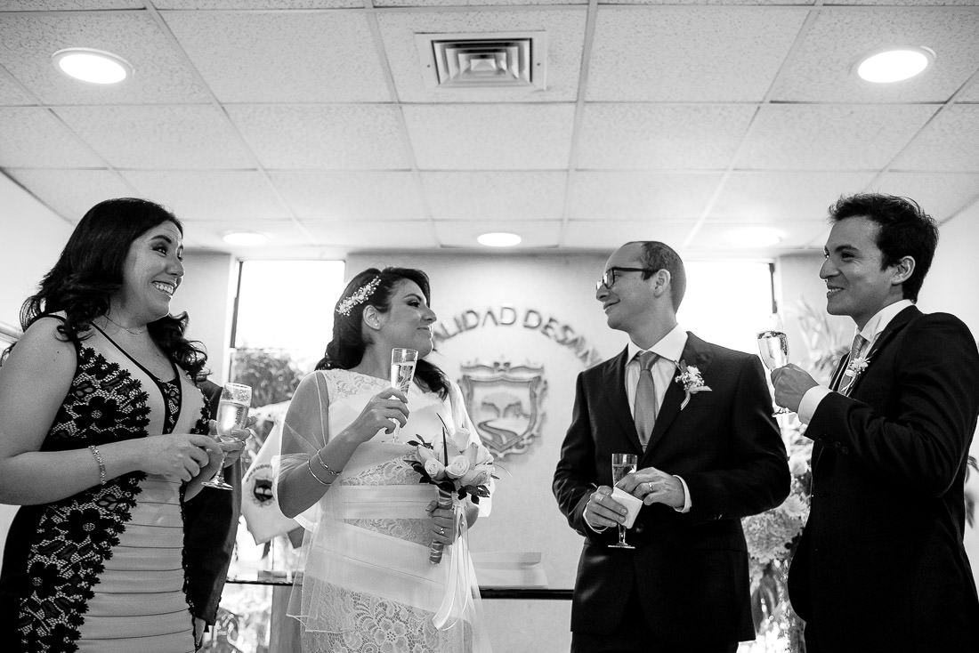 boda civil municipalidad san borja, boda civil centro naval sede san borja, fotografo de bodas lima, fotografia documental de boda cusco peru, matrimonio civil, wedding destination peru