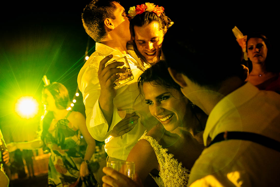 fotografo de bodas hotel punta sal, fotografia documental bodas en playa, life style, crossfit, beach wedding destination peru, destination wedding tumbes