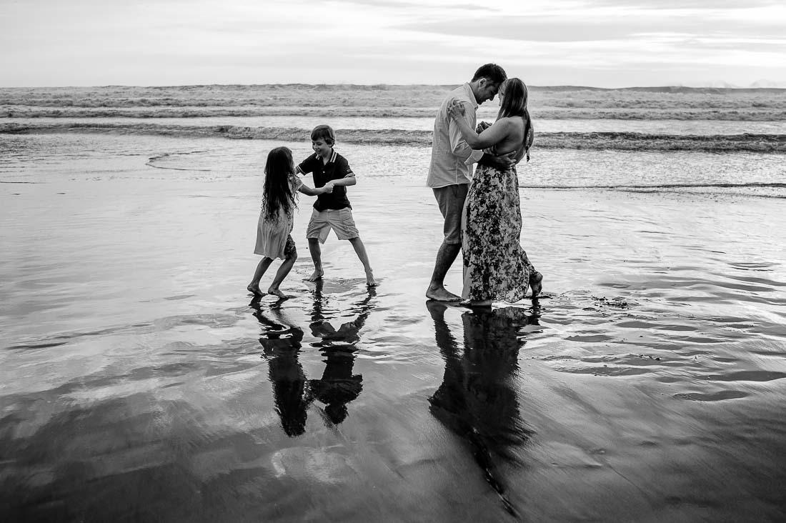 sesion familiar, retratos de familia, portrait family session, bora bora playa asia sur de lima