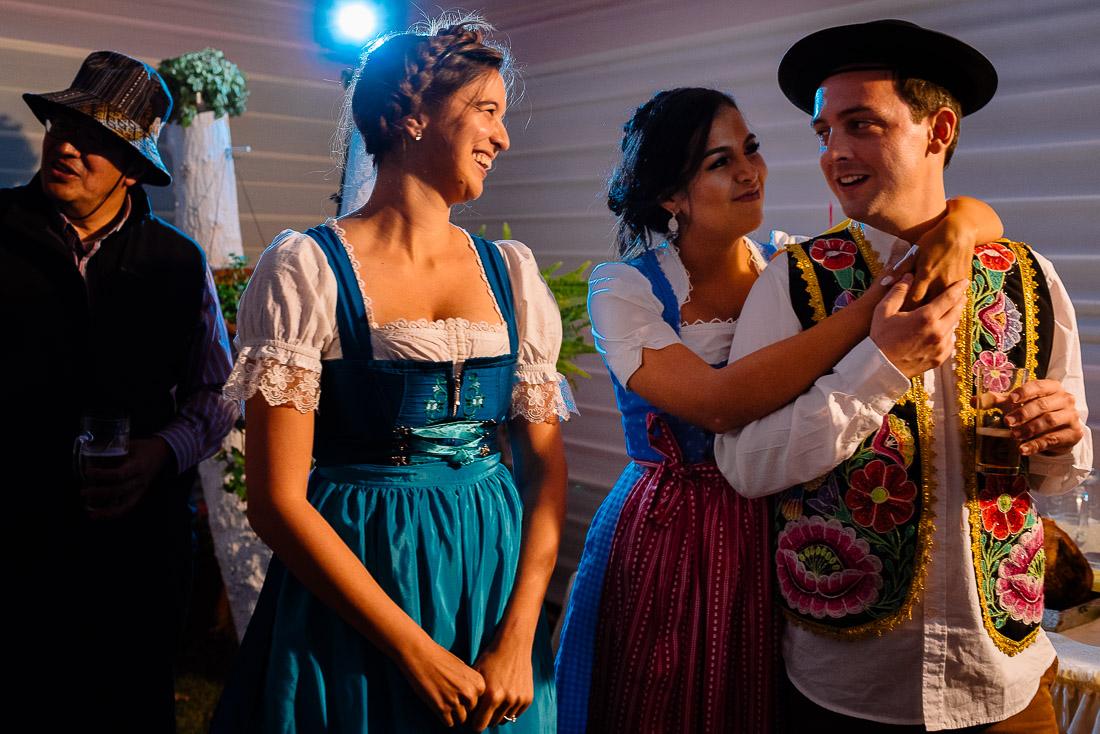 novia, vestido de novia, novio, matrimonio, boda, celebracion, fiesta, sesion de fotos