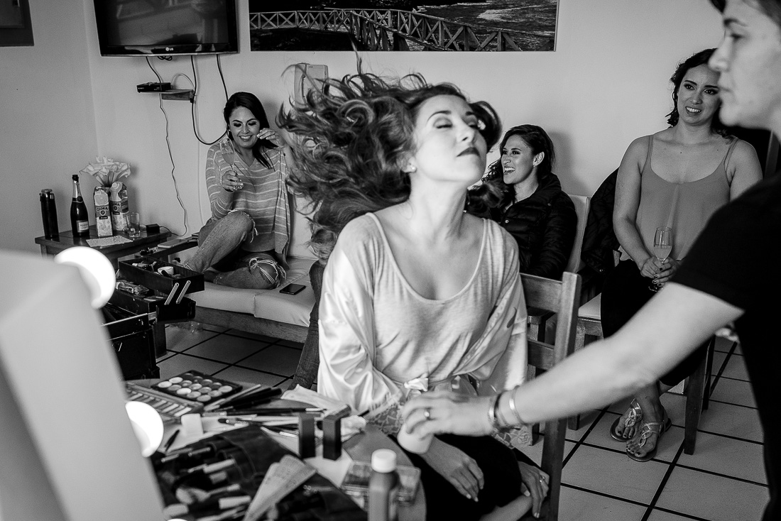 maquillaje y peinado de una novia