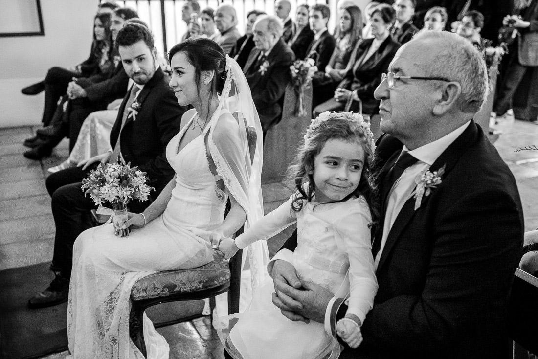 ceremonia de matrimonio novia y novio, amor, parejas, diversion, fiesta, preparativos de matrimonio, maquillaje, vestido de novia, vestidos de noche, traje de novio
