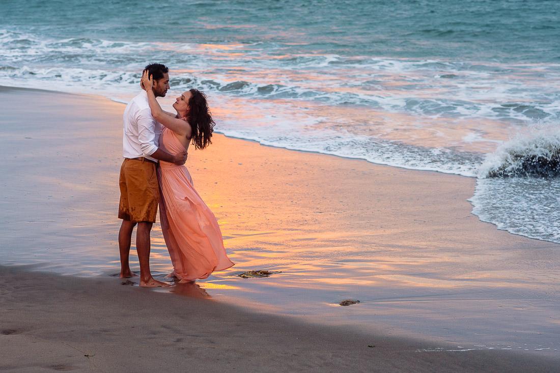 playa, atardecer, sol, mar, arena, pareja de novios